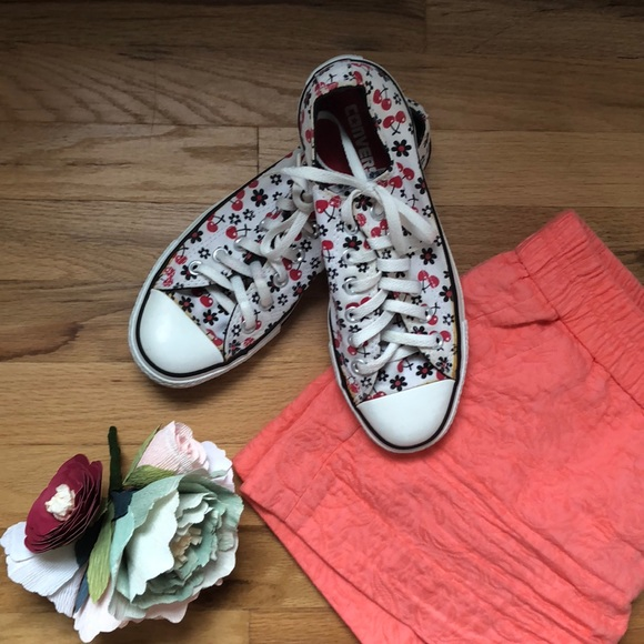ffc2ea7e0ad9 Converse Shoes - Patterned Converse W8